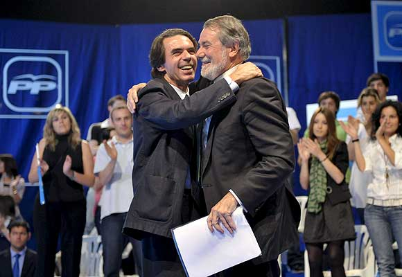 Aznar, con Mayor Oreja