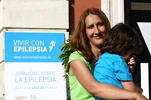 Eva María Carbajo y su hijo Sergio.
