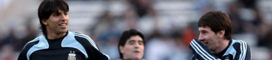 Maradona visita a Leo Messi para tratar su bajo rendimiento con Argentina  (Imagen: EFE)