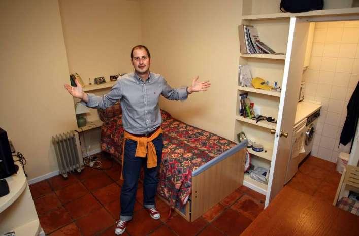 La crisis del ladrillo frena en seco el proyecto de for Pisos universitarios madrid