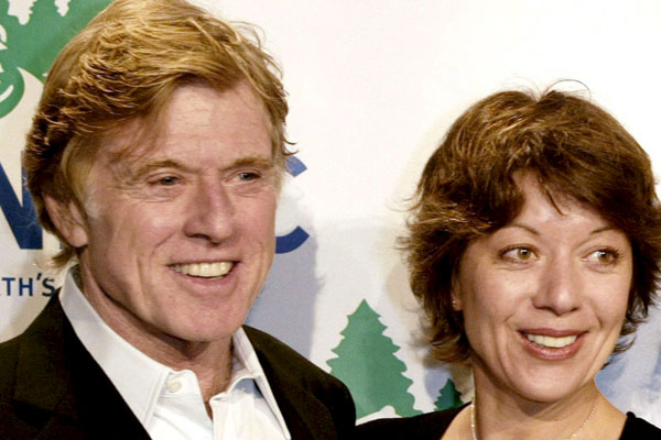 Redford y su mujer