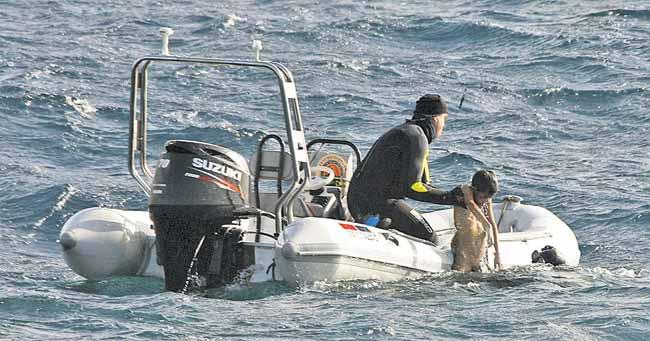 Patera naufragada frente a Lanzarote