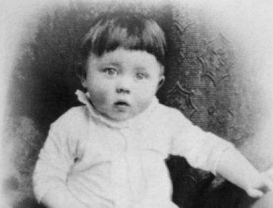 Hitler de niño