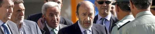 Rubalcaba visita la casa cuartel de Burgos