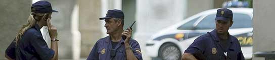 Agentes de la Policía en el centro de Palma