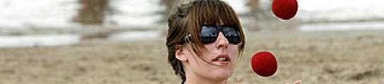 El 93% de las gafas de sol que se venden en los mercadillos son dañinas para los ojos  (Imagen: 20MINUTOS.ES)