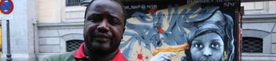 """""""Akabo de sofrer 1 atake racista y fisika. Pero estoy bien. Tengo miedo. Abu""""  (Imagen: JORGE PARÍS)"""