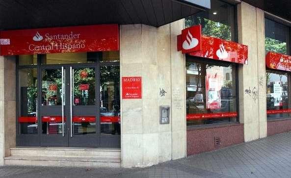 El banco santander cerrar los s bados mientras otros se for Oficina santander madrid