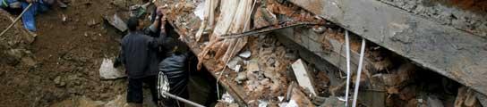 """Indonesia teme """"miles de muertos"""" en el seísmo de Sumatra que deja ya 529 víctimas  (Imagen: Crack Palinggi / REUTERS)"""