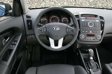 <p>Interior del Kia cee'd.</p>