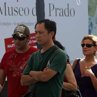 Turistas en el Prado.