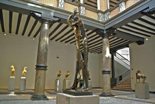El museo Pablo Gargallo reabre sus puertas al público con casi un año y medio...