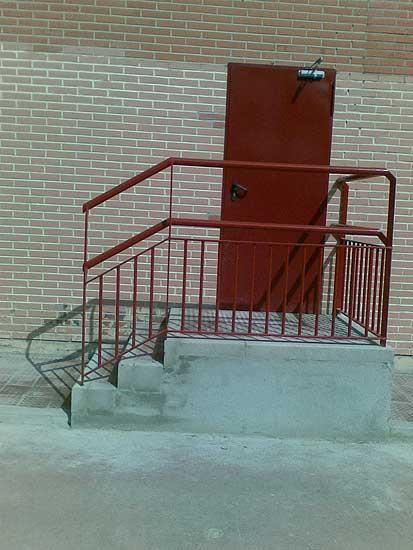 Colegio sin rampas