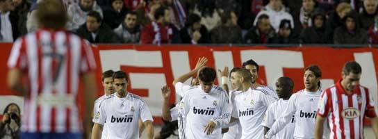 El Atleti se acerca al milagro pero acaba pagando sus errores ante el Real Madrid  (Imagen: EFE)