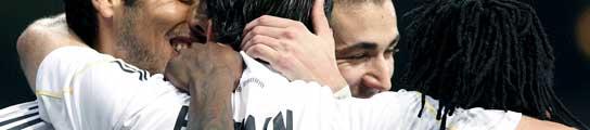 El Real Madrid llegará líder al Camp Nou  (Imagen: EFE/ SERGIO BARRENECHEA)