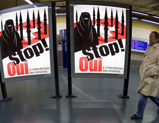 Carteles del sí al referendum en Suiza
