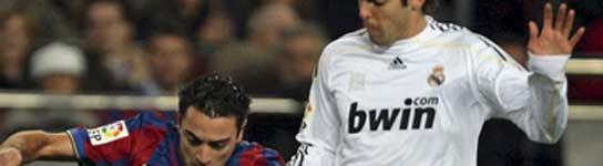 El Barça gana al Madrid con diez y es el nuevo líder de la Liga (1-0)  (Imagen: Alberto Estévez/EFE)