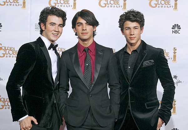 Nick Jonas y sus hermanos