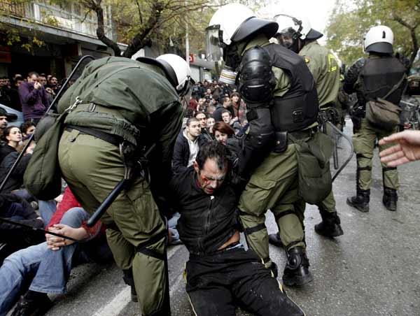 Vuelven a Insultarnos: Disturbios en Grecia 1026895