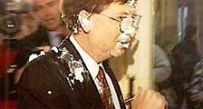 <p>Tartazo a Bill Gates</p>