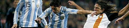 Convincente victoria de la selecci�n catalana de Cruyff ante Argentina (4-2)  (Imagen: Xavier Bertral / EFE)