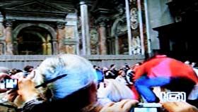 <p>Papa Benedicto XVI - caída - 280</p>