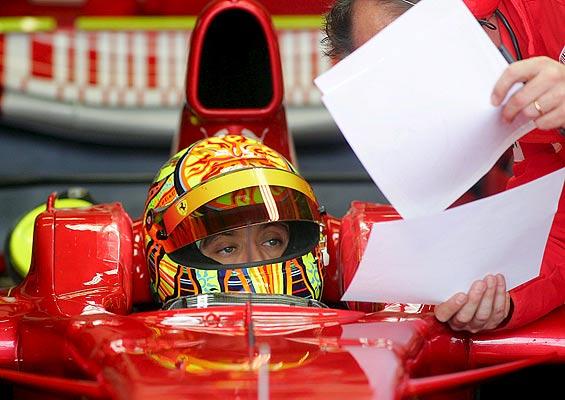 Valentino Rossi en un Ferrari