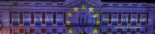 España recibe teñida de azul al 2010  (Imagen: Kote Rodrigo / EFE)