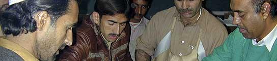 Pakistán estrena 2010 con el atentado más sangriento en tres años, casi cien muertos  (Imagen: REUTERS)