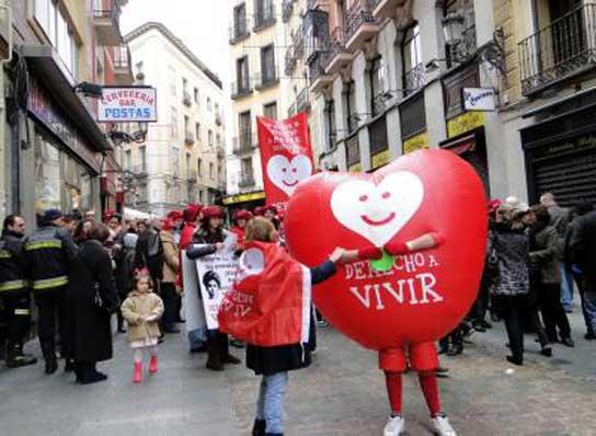 Pasacalles de Derecho a Vivir en Madrid