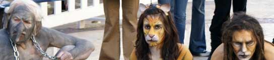 Un grupo de activistas protesta en Valencia contra el uso de animales en los circos  (Imagen: ANIMANATURALIS)