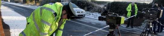 Un policía, herido grave en Irlanda del Norte al explotar una bomba bajo su coche  (Imagen: Paul MCercane / EFE)