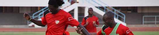 Adebayor y Serge Akakpo