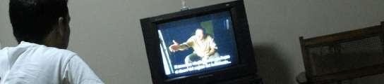 Pasar m�s de cuatro horas al d�a frente a la televisi�n aumenta el riesgo de muerte  (Imagen: ARCHIVO)