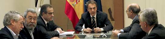 Zapatero, con los agentes sociales