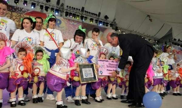 Un millar de personas asisten al concurso de disfraces del Carnaval de Santa Cruz
