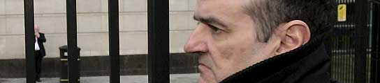 Un tribunal de Belfast deniega a De Juana Chaos para lograr una licencia de taxi  (Imagen: Paul McErlane / EFE)