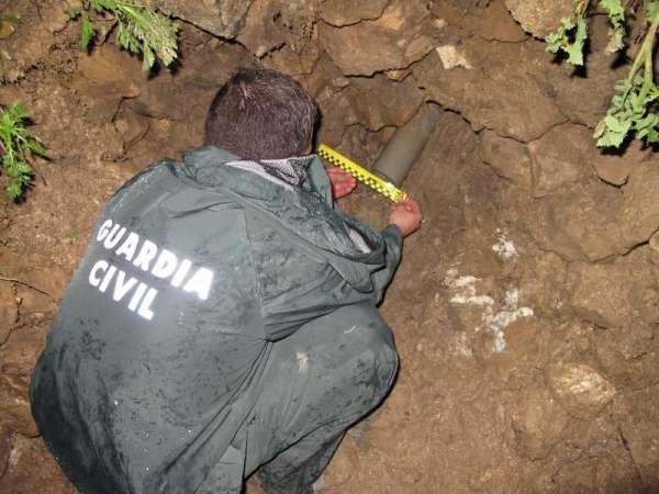 Sucesos.- Detenidas dos personas por verter residuos a dos arroyos de Morón a través de una tubería