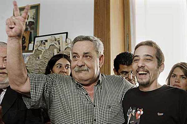 Abel Madariaga (izqda.) junto a su hijo Francisco