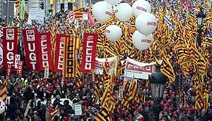 <p>Manifestaciones contra la reforma de las pensiones en Barcelona</p>