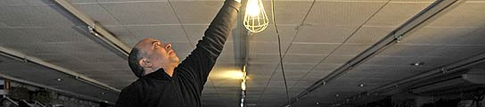 Una nueva avería deja sin luz a miles de abonados en varios municipios de Girona  (Imagen: Robin Townsend/ EFE)