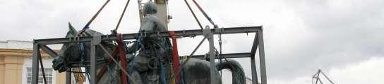 Retiran la estatua de Franco de Ferrol  (Imagen: KIKO / EFE)
