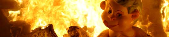 El fuego devora las Fallas en Valencia  (Imagen: Kai Försterling / Efe)