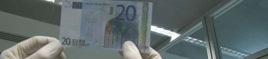 Desarticulan una red que introducía en España 30.000 euros falsos cada semana  (Imagen: MOSSOS D'ESQUADRA)