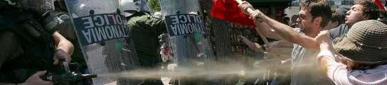Mueren tres personas durante los disturbios en Grecia por la huelga general  (Imagen: Orestis Panagiotou / EFE)