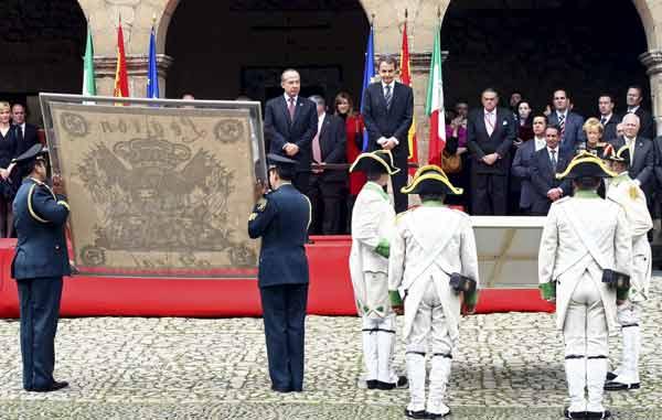Intercambio de banderas entre México y España