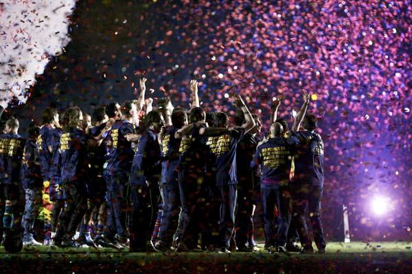 Fiesta azulgrana. Fiesta merecida. La plantilla y el cuerpo técnico disfrutó de la fiesta por la Liga, tras vencer al Valladolid.