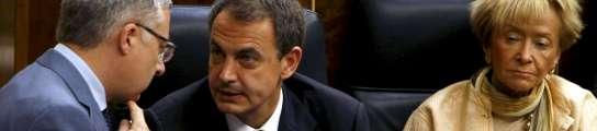 El Gobierno aprueba en solitario y por un solo voto el decreto ley del 'tijeretazo'  (Imagen: J.J.Guillén / EFE)