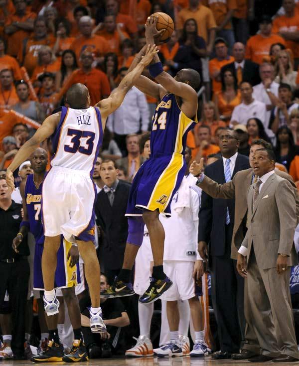 Los Lakers eliminan a los Suns en el sexto partido y regresan a la final de la NBA