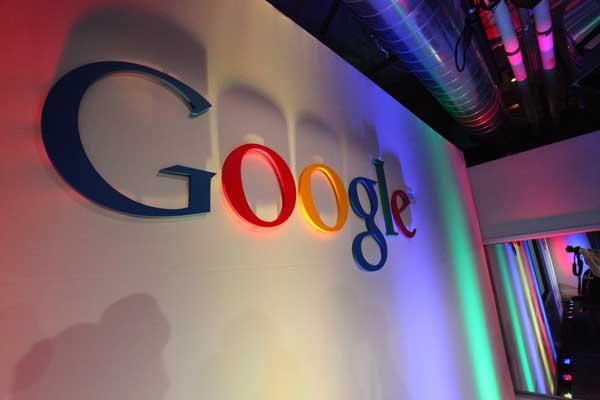 Google niega que aspire a competir en las redes sociales con Facebook